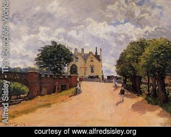 Alfred Sisley - Inn at East Molesey with Hampton Court Bridge
