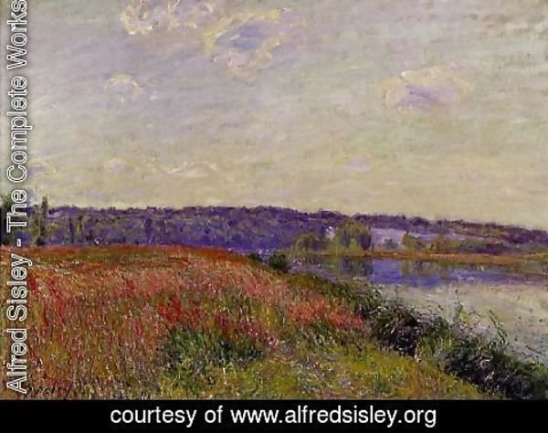 Alfred Sisley - The Fields and Hills of Veneux-Nadon