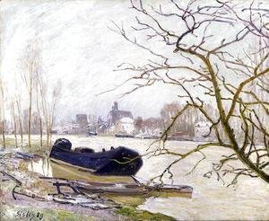 Alfred Sisley - The Loing at High Water